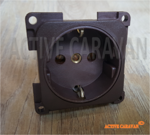 ENCHUFE 220V  VEHICULO RECREO MARRON